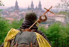 Pilgrim arrives to Santiago de Compostela